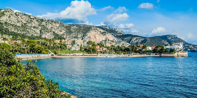 Find all of our listings of apartments and villas sales of Beaulieu sur mer, Eze, Cap d'Ail, Roquebrune sur mer, Villefranche, Nice Mont Boron, Cap Ferrat.